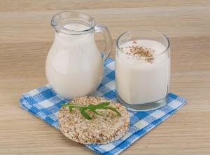 Что полезнее кефир или молоко для мужчин