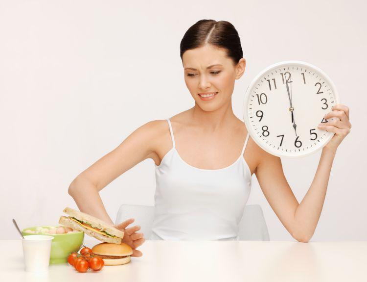 интервальное голодание для здоровья женщин